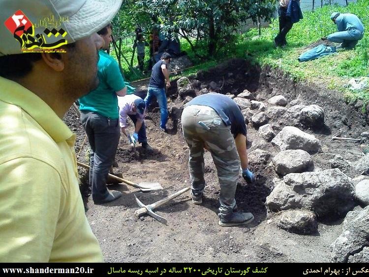 گورستان تاریخی ۳۲۰۰ ساله اسبه ریسه ماسال - بهرام احمدی - شاندرمن۲۰ (۲)